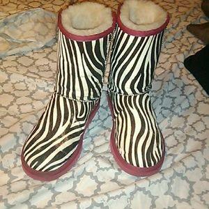 💥 RARE NWOT UGG Zebra Calf Hair Boots size 6 😍😍